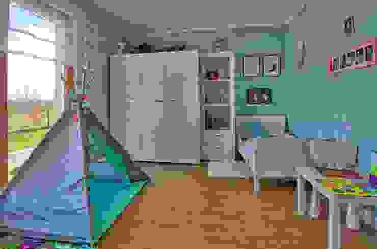 Dormitorios infantiles de estilo  por Biuro Projektów MTM Styl - domywstylu.pl