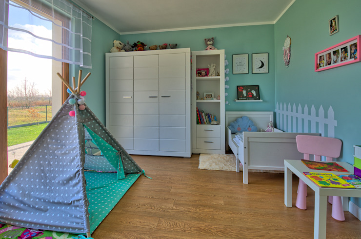 Modern nursery/kids room by Biuro Projektów MTM Styl - domywstylu.pl Modern