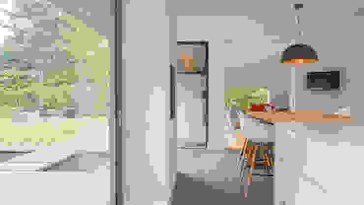 Renovatie en verbouwing villa in Ruitersbos te Breda:  Keuken door Joep van Os Architectenbureau,
