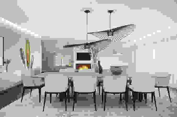 Moderne eetkamers van DZINE & CO, Arquitectura e Design de Interiores Modern