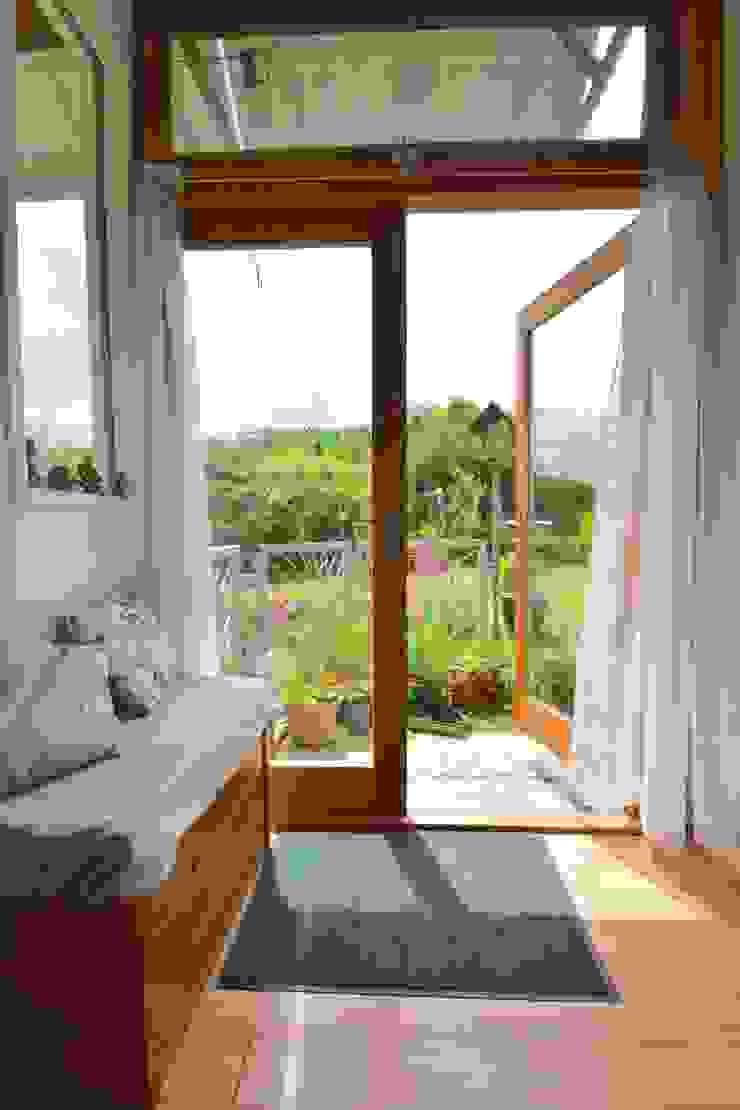 Porthcothan Responsive Home Innes Architects 现代客厅設計點子、靈感 & 圖片
