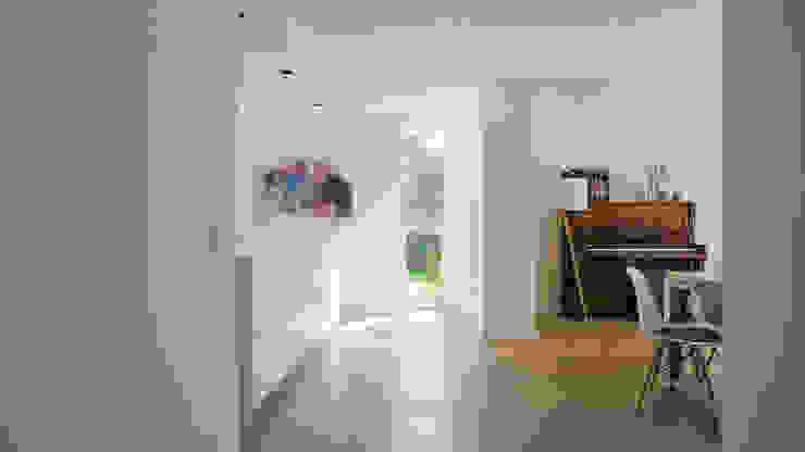 Herindeling woonboerderij met behoud van oude spanten, luxe woonkeuken en open slaapkamer met badkamer in zolder:  Keuken door Joep van Os Architectenbureau
