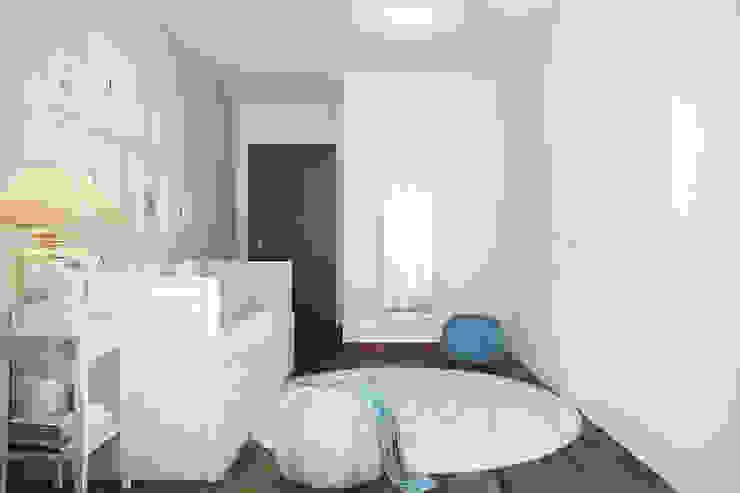 DZINE & CO, Arquitectura e Design de Interiores의  침실, 모던