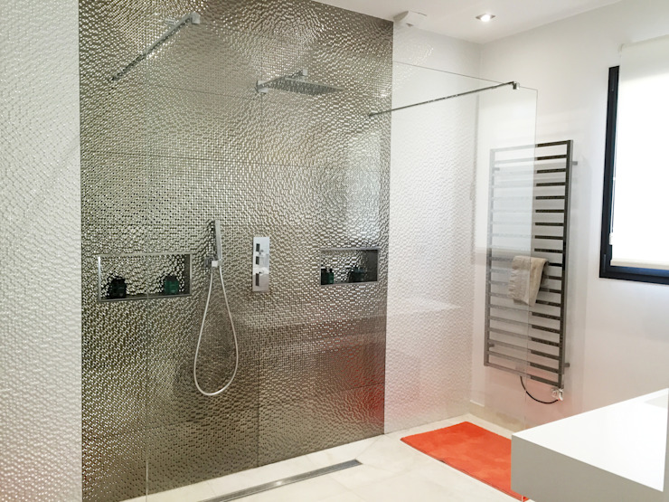 Modern bathroom by homify Modern Glass
