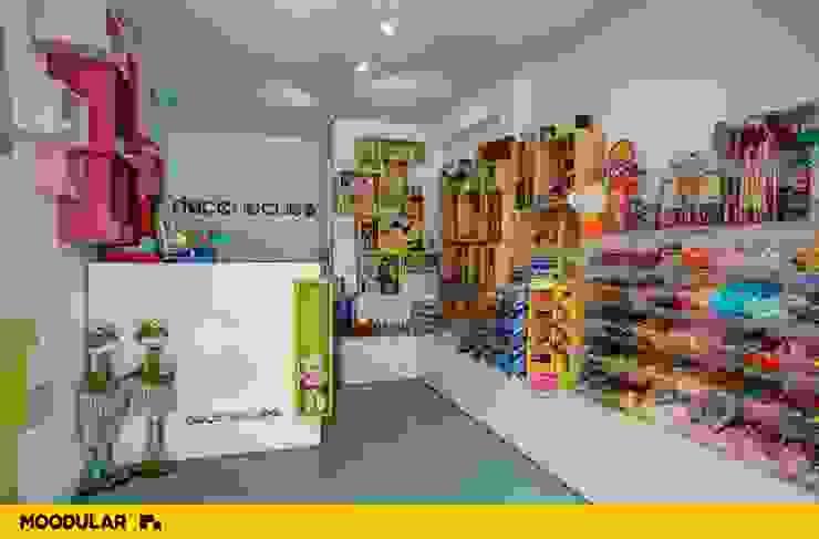 Moodular - Loja Doce ao Cubo Lojas e Espaços comerciais modernos por MOODULAR Moderno