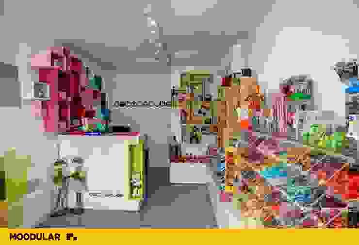 Moodular – Loja Doce ao Cubo Lojas e Espaços comerciais modernos por MOODULAR Moderno