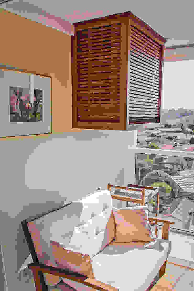 Lozí - Projeto e Obra Modern Balkon, Veranda & Teras