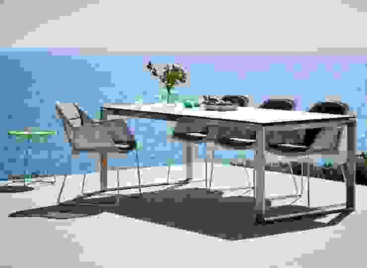 Oleh Intense mobiliário e interiores; Mediteran