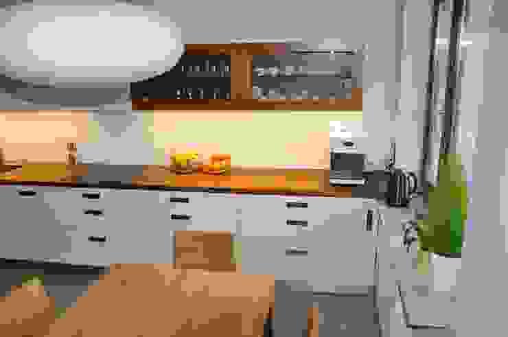 Mieszkanie na Służewcu: styl , w kategorii Kuchnia zaprojektowany przez BFArchitekt,Nowoczesny