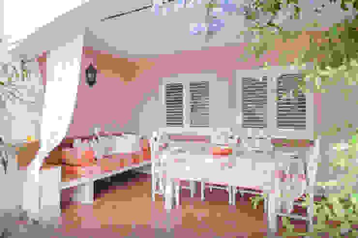 de Tania Mariani Architecture & Interiors Mediterráneo Cerámica
