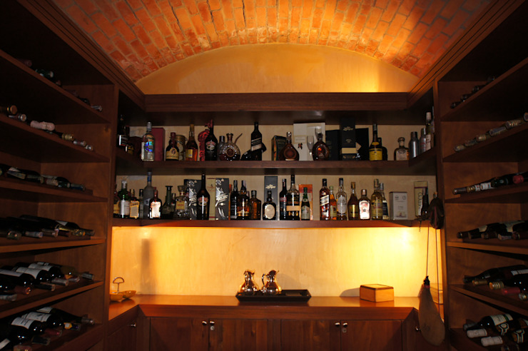 Vivienda Sandquist Pasillos, vestíbulos y escaleras de estilo ecléctico de GRUPO CATA Ecléctico Madera Acabado en madera