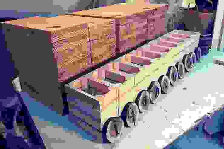 Tábuas e Marcadores de mesa, Cestos de pão, feitos por encomenda para a Charcutaria Lisboa! por Pode Ser! Rústico Madeira Acabamento em madeira
