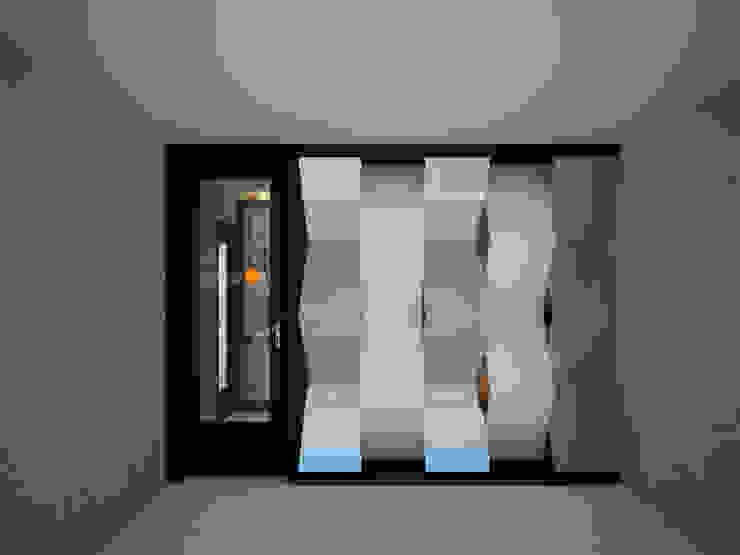 Exterior de oficina:  de estilo industrial por Constructora Asvial S.A de C.V., Industrial Hierro/Acero