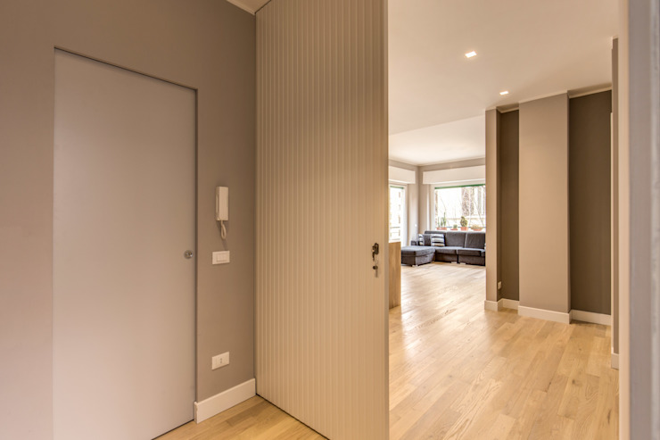 Corridor & hallway by MOB ARCHITECTS, Modern
