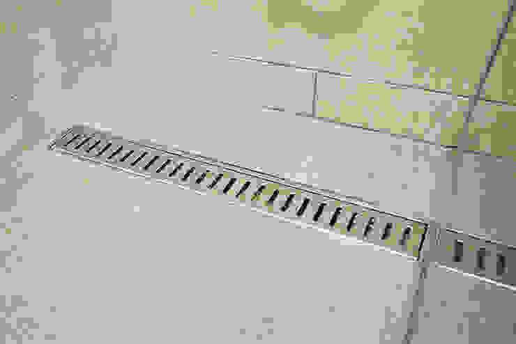Bathroom by homify, Minimalist Aluminium/Zinc