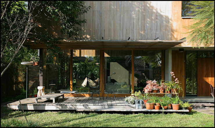 by Arquitecto Alejandro Sticotti Country