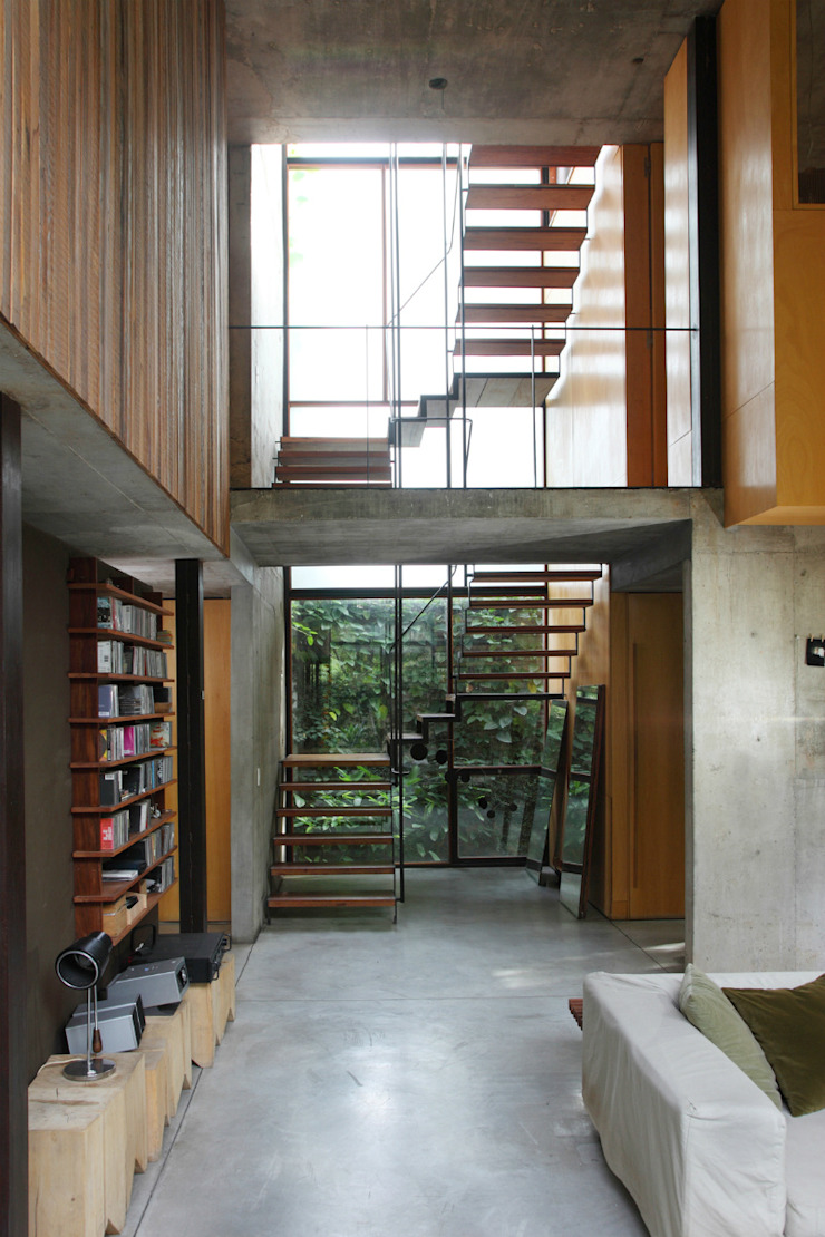 Country style corridor, hallway& stairs by Arquitecto Alejandro Sticotti Country