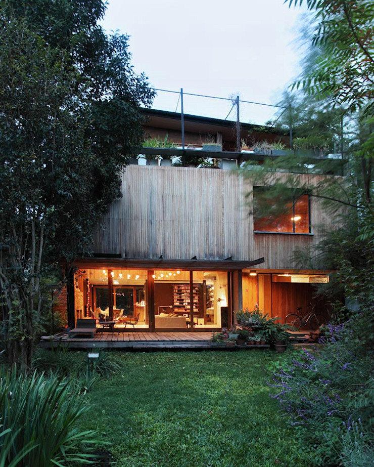 Country style house by Arquitecto Alejandro Sticotti Country