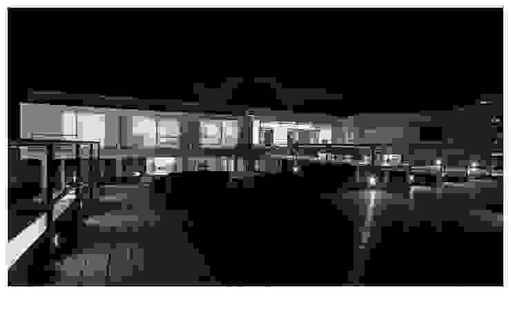 FROM HIGHER DECK Minimalist houses by DDIR architecture studio Minimalist Wood Wood effect