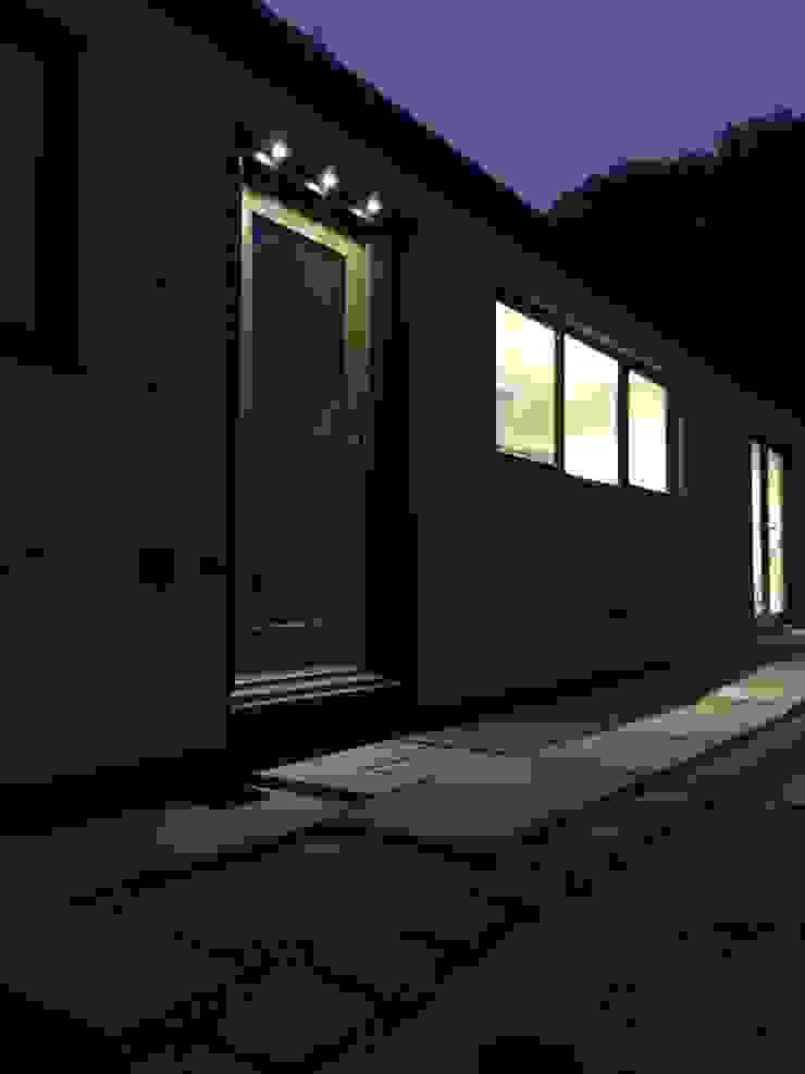 Packet Lane Boutique Modern Ltd Casas modernas
