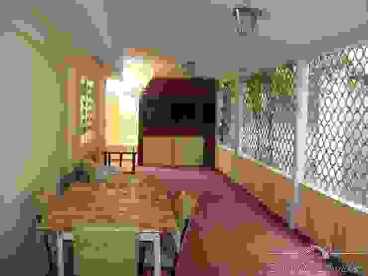 chalet Balcones y terrazas clásicos de Maures Construcciones Clásico