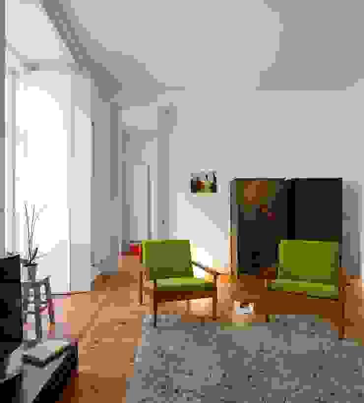 Alberto Caetano Modern living room
