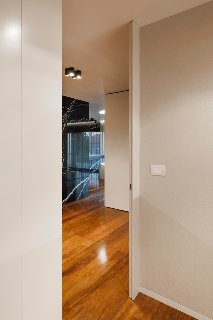 ห้องโถงทางเดินและบันไดสมัยใหม่ โดย ABPROJECTOS โมเดิร์น
