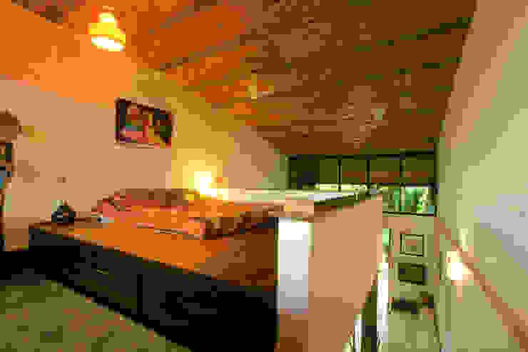 Duplex Apartment, Creativity, Auroville:  Bedroom by C&M Architects