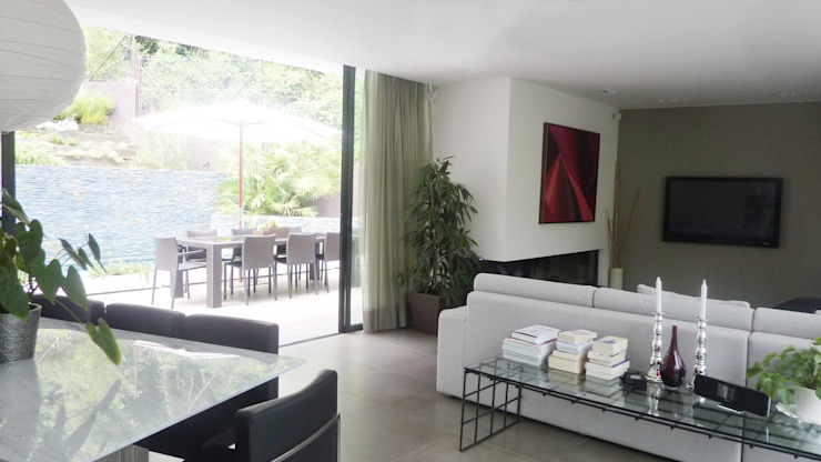 Modern Living Room by Arquitectura Interior 88 Modern