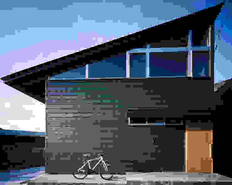 屋島の家 日本家屋・アジアの家 の TENK 和風 鉄/鋼