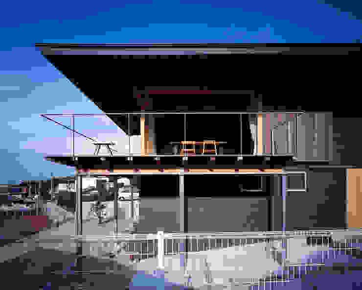 屋島の家 日本家屋・アジアの家 の TENK 和風 木 木目調