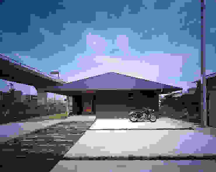 Maisons de style  par TENK, Asiatique Bois Effet bois