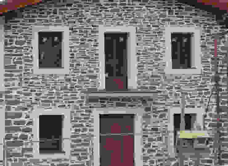 TRABAJOS reformastechin Casas de estilo moderno