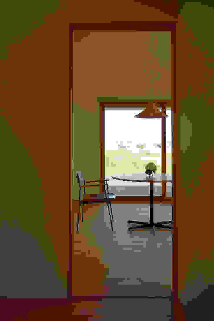 ダイチノイエ モダンデザインの ダイニング の toki Architect design office モダン 木 木目調