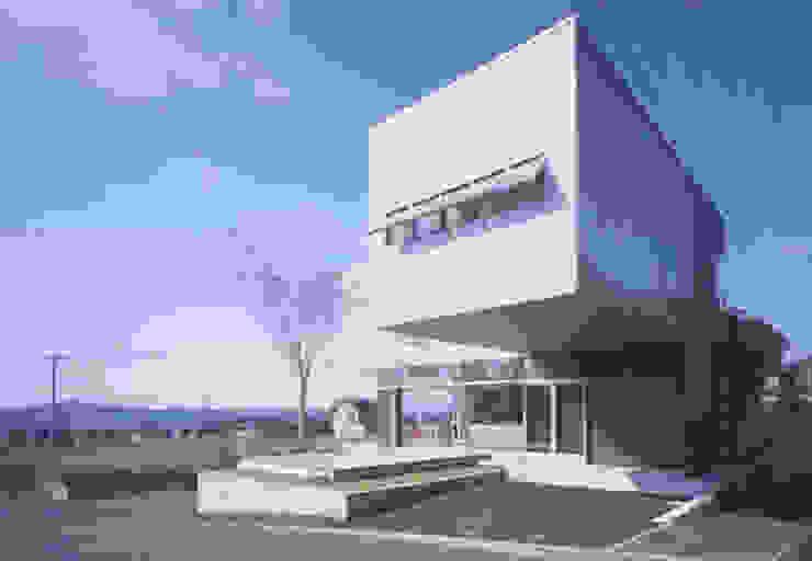 Houses by 有限会社 橋本設計室, Modern