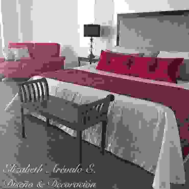 Habitación en Rojo Habitaciones de estilo ecléctico de ea interiorismo Ecléctico
