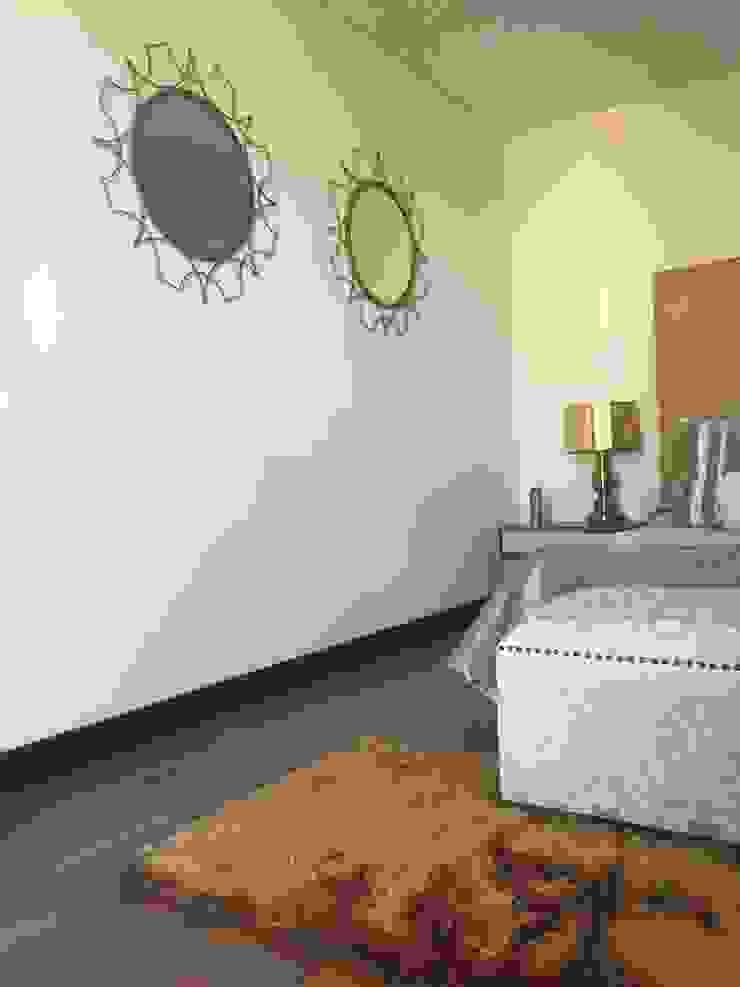 Habitación Dorado Cat Habitaciones de estilo clásico de ea interiorismo Clásico Madera Acabado en madera
