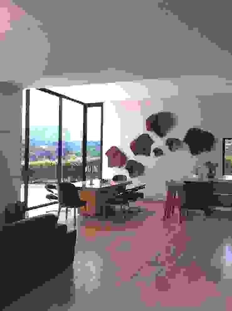 Comedor Casa Campestre Comedores de estilo ecléctico de ea interiorismo Ecléctico Madera Acabado en madera