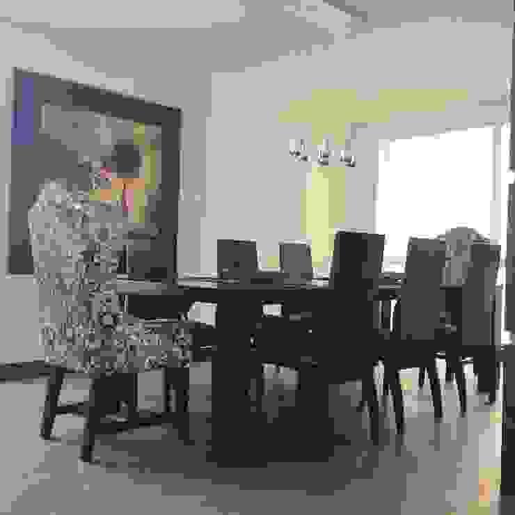 Comedor Apartamento Comedores de estilo ecléctico de ea interiorismo Ecléctico Madera Acabado en madera