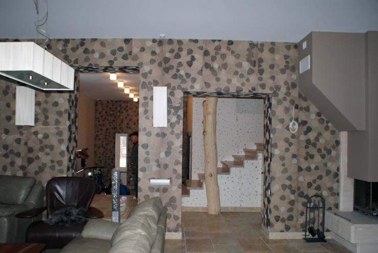 Гостиная, вид на лестницу Гостиные в эклектичном стиле от homify Эклектичный