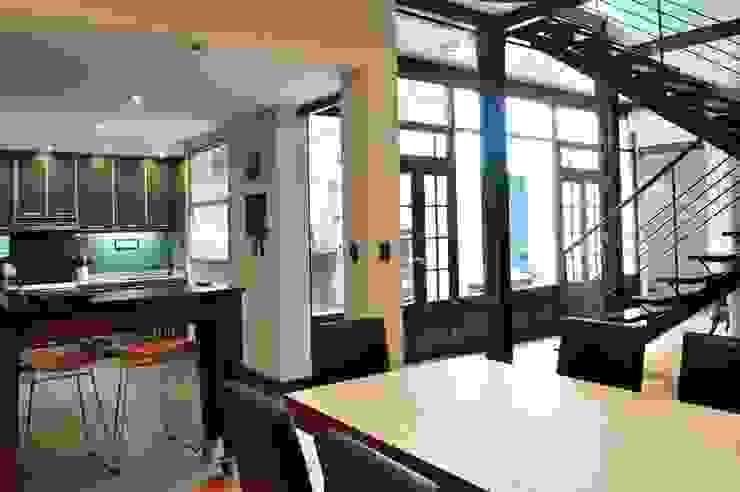 Sala comedor Minimalist dining room by Radrizzani Rioja Arquitectos Minimalist Wood Wood effect