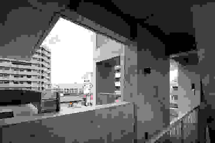 Casa Verde 御所西 株式会社 藤本高志建築設計事務所 モダンな 家 コンクリート 緑