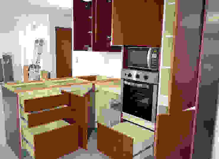 Optimus DMI - Cocina Golas - Las Trinitarias: Cocina de estilo  por OPTIMUS DMI