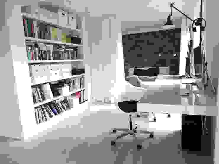 Minimalist study/office by MINIMOO Architektura Wnętrz Minimalist