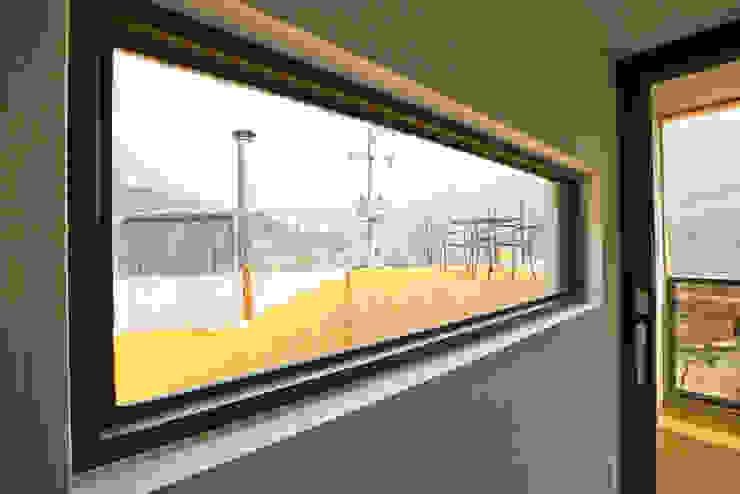 우리가족에게 전원주택이란, 모던스타일 창문 & 문 by 한글주택(주) 모던