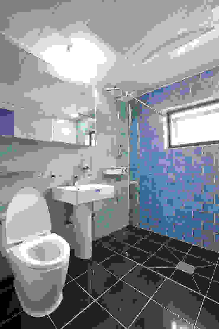 우리가족에게 전원주택이란, 모던스타일 욕실 by 한글주택(주) 모던