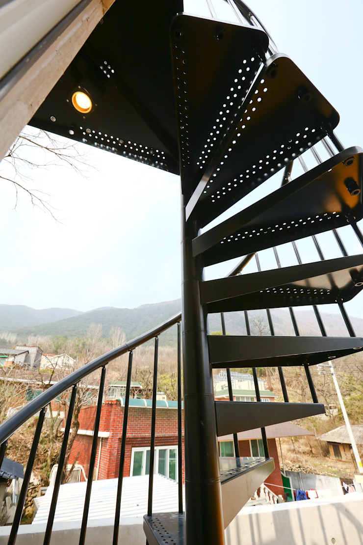 우리가족에게 전원주택이란, 모던스타일 복도, 현관 & 계단 by 한글주택(주) 모던