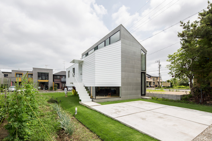 武藤圭太郎建築設計事務所 Modern houses Metal White