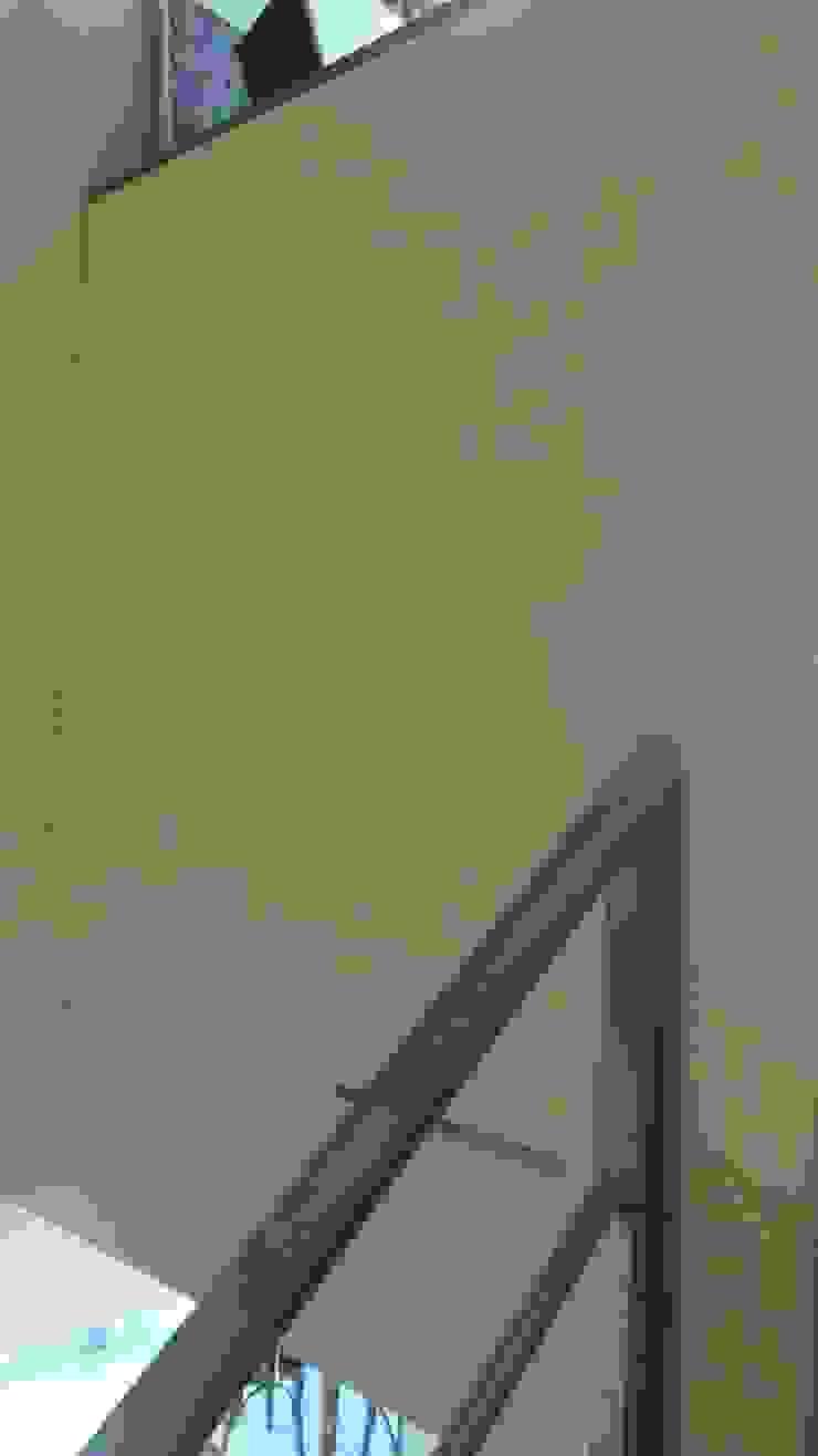 Duplex – Altos del Suquía Paredes y pisos minimalistas de ER Design. @eugeriveraERdesign Minimalista