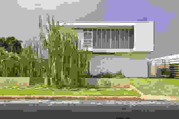 CASA SAN FRANCISCO: la casa de los cinco patios Casas de estilo clásico de NMD NOMADAS Clásico